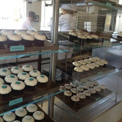 Photo taken at Crave Cupcakes by Violeta G. on 7/6/2013