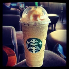 Photo taken at Starbucks by Kevin S. on 12/18/2012