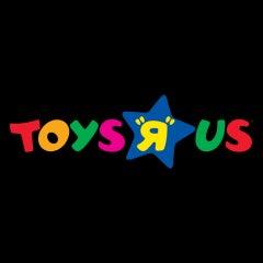 """Photo taken at Toys""""R""""Us by MeiKaChiKiKu on 12/24/2014"""
