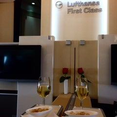 Photo taken at Lufthansa Flight LH 463 by Alex M. on 8/1/2014