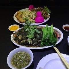 Photo taken at ภัตตาคาร ไออาต้า-พาต้า (Iata-Pata Restaurant) by Pang P. on 7/31/2015