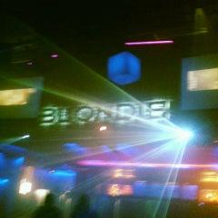 Photo taken at BLONDIE by Sofía B. on 5/5/2013