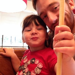 Photo taken at Pizza Hut by David T. on 9/6/2014