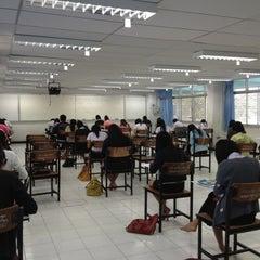 Photo taken at อาคาร 16 วิศวกรรมอุตสาหการ by จิตติวัฒน์ น. on 10/1/2012