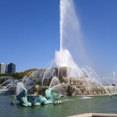 Photo taken at Clarence Buckingham Memorial Fountain by Dan F. on 9/29/2012