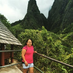 Photo taken at ʻĪao Valley State Park by Korinne O. on 9/29/2015