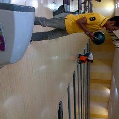 Photo taken at 88 Hokki Bowling Center by benny h. on 1/10/2013