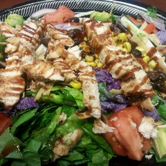 Photo taken at Baja Fresh Mexican Grill by Yoly R. on 7/22/2014
