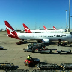 Photo taken at Brisbane Domestic Terminal by borysSNORC on 9/17/2012