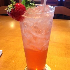 Photo taken at Olive Garden by Holly L. on 10/5/2012