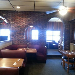 Photo taken at Spinner's Pizza by Heather J. on 12/21/2013