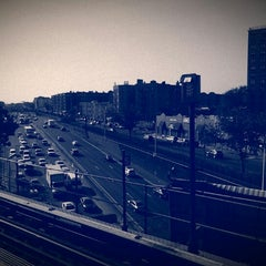Photo taken at MTA Subway - Parkchester (6) by Carlos Z. on 6/26/2013