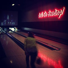 Photo taken at Grand Central Restaurant & Bowling Lounge by Sha N. on 3/6/2013