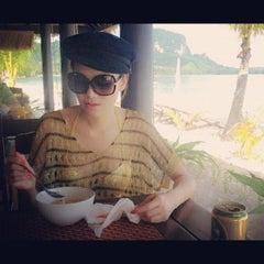 Photo taken at Koh Mook Sivalai Beach Resort by Monrawee W. on 10/27/2012