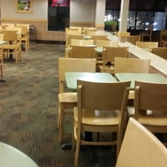 Photo taken at Wendy's by Leon L. on 6/11/2014
