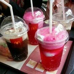 Photo taken at McDonald's by Chi A. on 4/3/2013