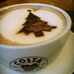 Photo taken at Costa Coffee by Arseniy on 11/18/2012