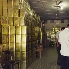 Photo taken at Chun Sheng Yuan Eating House by Kairin S. on 12/17/2015
