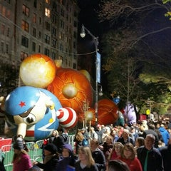 Photo taken at Macy's Parade Balloon Inflation by Ricardo T. on 11/26/2015