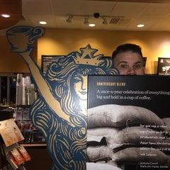 Photo taken at Starbucks by Darren R. on 10/8/2014