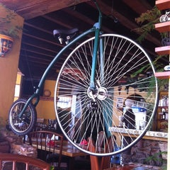 Photo taken at La Bicicleta by Ary on 11/14/2014
