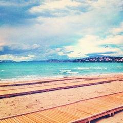 Photo taken at Ilıca Plajı by Sinasi G. on 10/20/2013