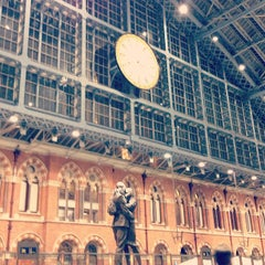 Photo taken at London St Pancras Eurostar Terminal by Corinne S. on 9/15/2013