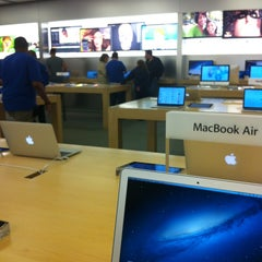Photo taken at Apple Store, Pheasant Lane by Charise V. on 9/15/2013
