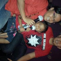 Photo taken at NAV Karaoke keluarga by Herlina O. on 9/7/2013