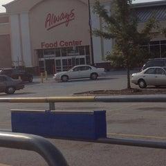 Photo taken at Walmart Supercenter by Vint on 9/28/2012