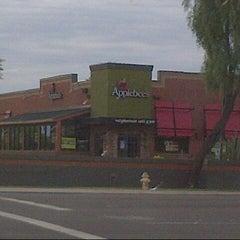 Photo taken at Applebee's by Nuning  i. on 8/5/2013