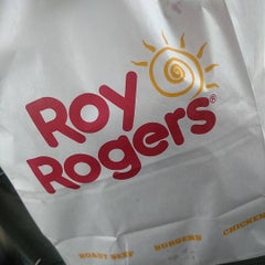 Photo taken at Roy Rogers by Taiwan B. on 8/2/2015