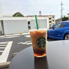 Photo taken at Starbucks Coffee 草津国道1号店 by 十級 習. on 7/3/2015