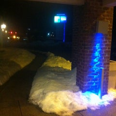 Photo taken at Holiday Inn Express Lancaster-Rockvale Outlets by Edilson R. on 2/20/2014