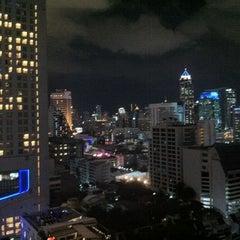 Photo taken at Fraser Suites Sukhumvit, Bangkok by nacazzo on 10/13/2012