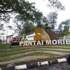 Photo taken at Pantai Morib by Yin P. on 11/11/2012