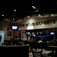 Foto tirada no(a) Wing Stop Sports por Mike V. em 12/28/2012