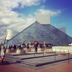 Photo taken at The Rock and Roll Hall of Fame and Museum by Shamik C. on 10/21/2012
