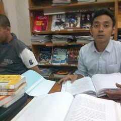 Photo taken at Perpustakaan FISIP UPN Veteran Yogyakarta by Harry M. on 5/7/2013