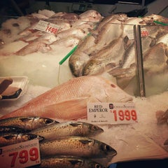 Photo taken at Sydney Fish Market by Mirna S. on 3/10/2013