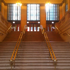 Photo taken at Chicago Union Station by Roberto G. on 6/15/2013