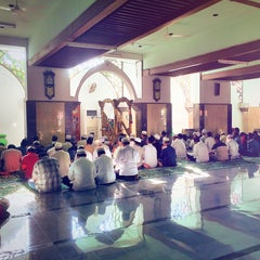Photo taken at Masjid Agung Sunan Ampel by zaen p. on 6/13/2015