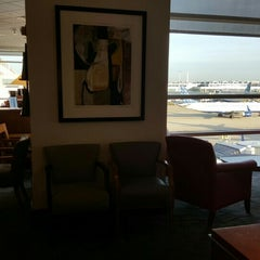 Photo taken at Delta Sky Club by Bob E. on 11/17/2015