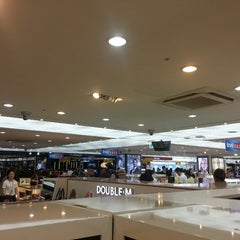 Photo taken at JDC Duty Free (JDC 면세점) by jina H. on 7/2/2013