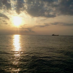Photo taken at Gazzebo Pinggir Laut by firmana A. on 3/6/2013