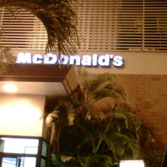 Photo taken at McDonald's by Rogerio C. on 12/4/2012