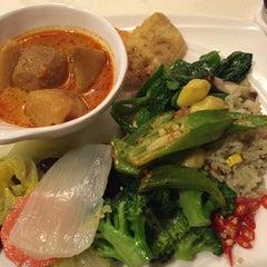 Photo taken at Lotus Vegetarian Restaurant by 🌹CL on 12/26/2015