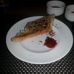 Photo taken at Seasonal Tastes by Shashank V. on 2/1/2014
