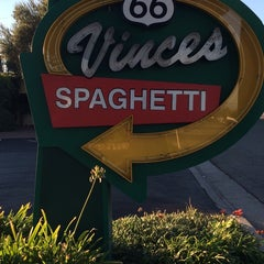 Photo taken at Vince's Spaghetti by TwiggiewoodHD D. on 11/6/2014