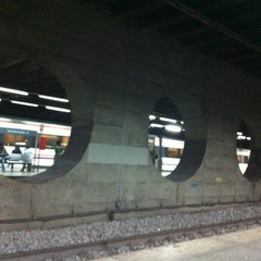 Photo taken at RENFE El Clot-Aragó by Yawen Aven C. on 1/23/2013